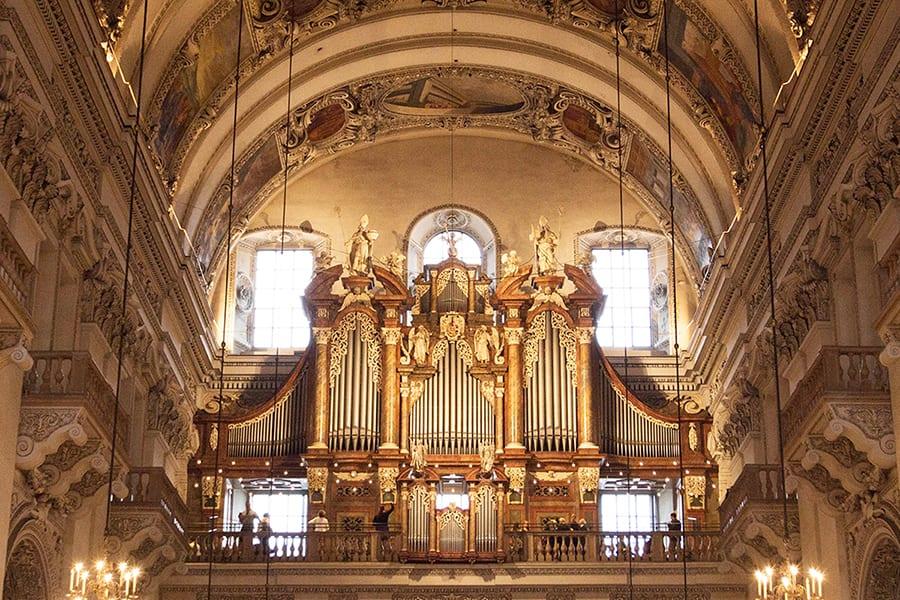 אוגב בקתדרלת זלצבורג