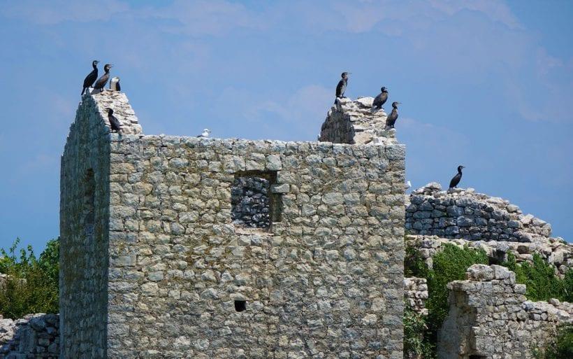 מבצר עות'מאני באגם סקאדר, מונטנגרו.