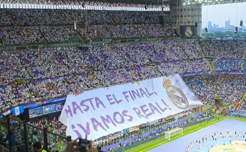 ריאל מדריד|Football stadium with light effects. 3D Rendering|אתלטיקו מדריד|Supporters who incite their team at the stadium|