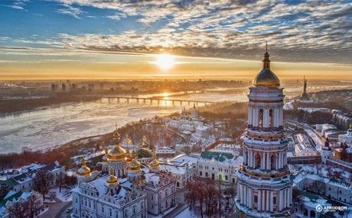 אוקראינה: ישראלים מחוסנים כבר לא צריכים לעבור בדיקת קורונה 72 שעות לפני ההגעה