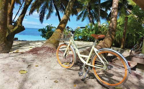 אופניים באי Desroches