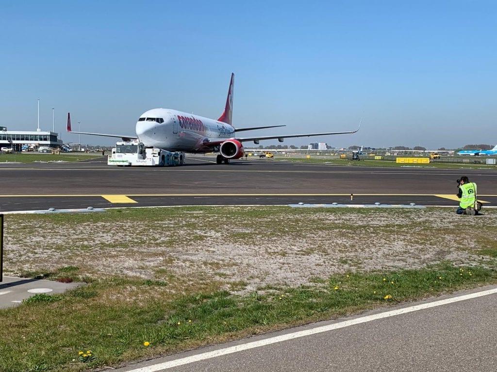 הטקסיבוט של התעשייה האווירית בדרך להודו ואמסטרדם