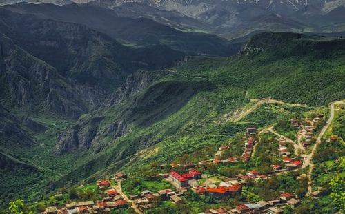מחדשים טיסות לארמניה