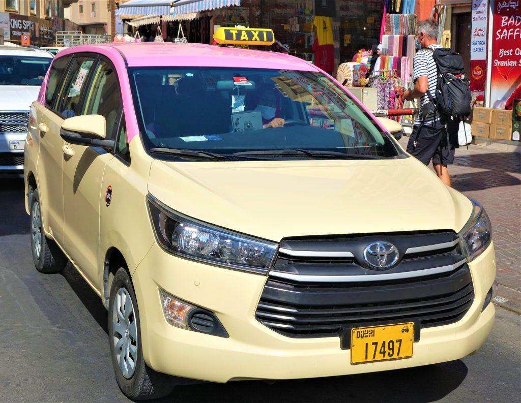 מונית לנשים בדובאי