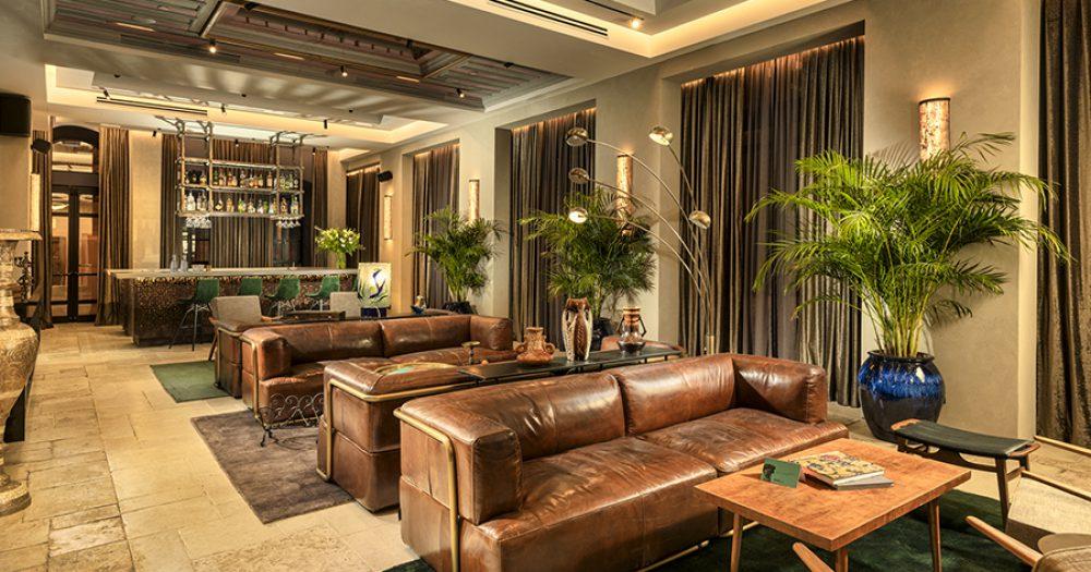 לובי מלון BROWN JLM. צילום: מקס קובלסקי