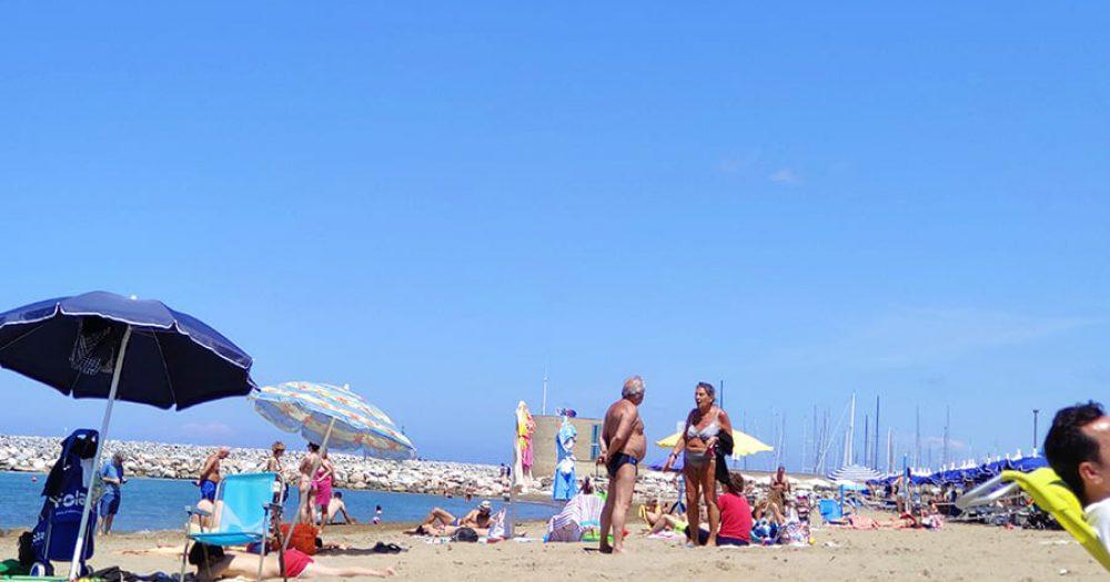 חוף הים בסאן וינצ'נזו, איטליה