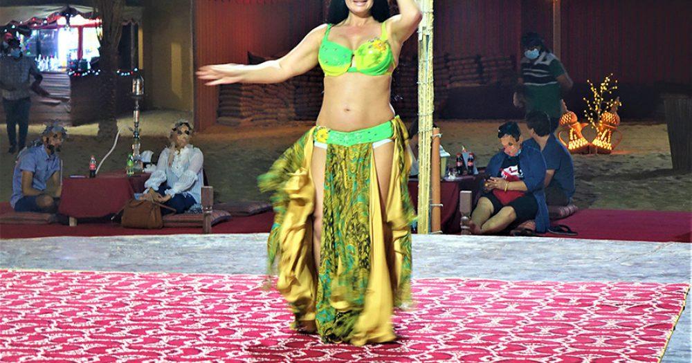 רקדנית בטן בדובאי