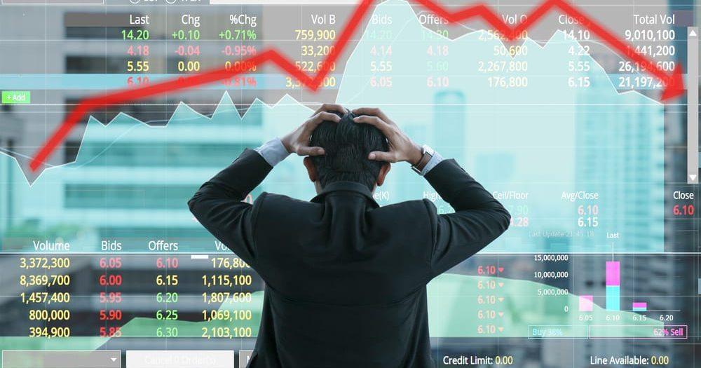 ירידות למניות חברות התיירות והתעופה
